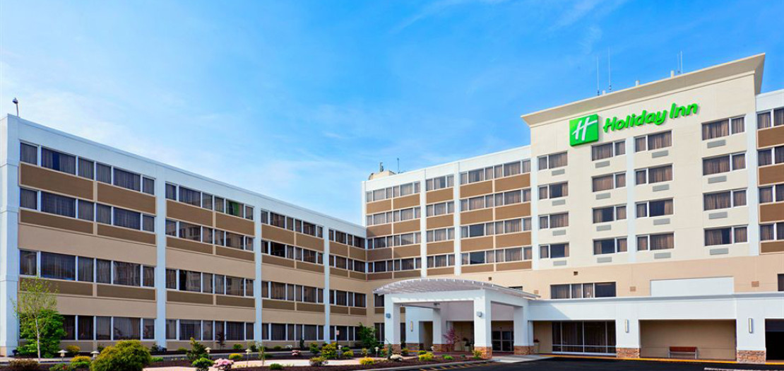 holiday_inn_clark-1024x500px